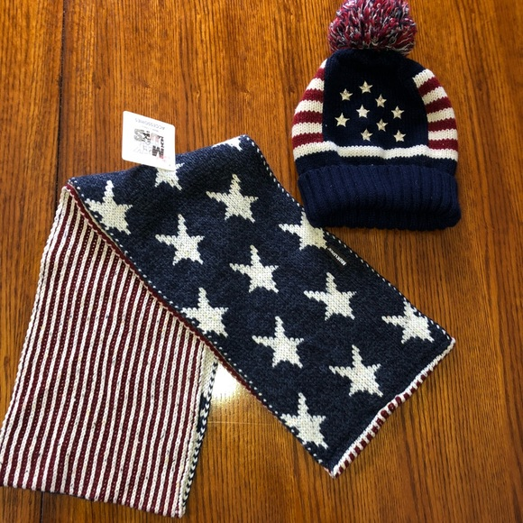 f595cc7bc0 Stars&Stripes hat and scarf set by MUKLUK NWT